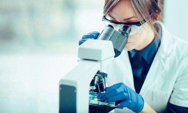 Biopsia embrionaria y análisis genético | URE Centro Gutenberg